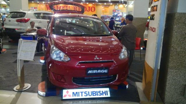 Mitsubishi di Royal Plaza Surabaya mirage