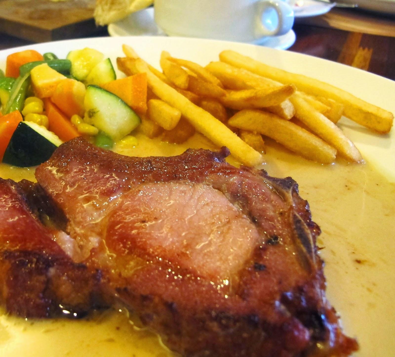 Glosis Grill & Bar European Food
