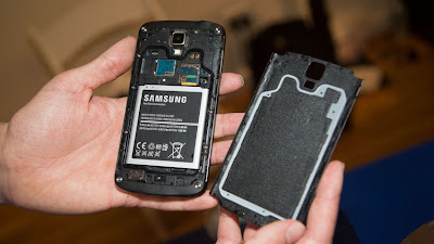 Samsung Galaxy S4 Active back side