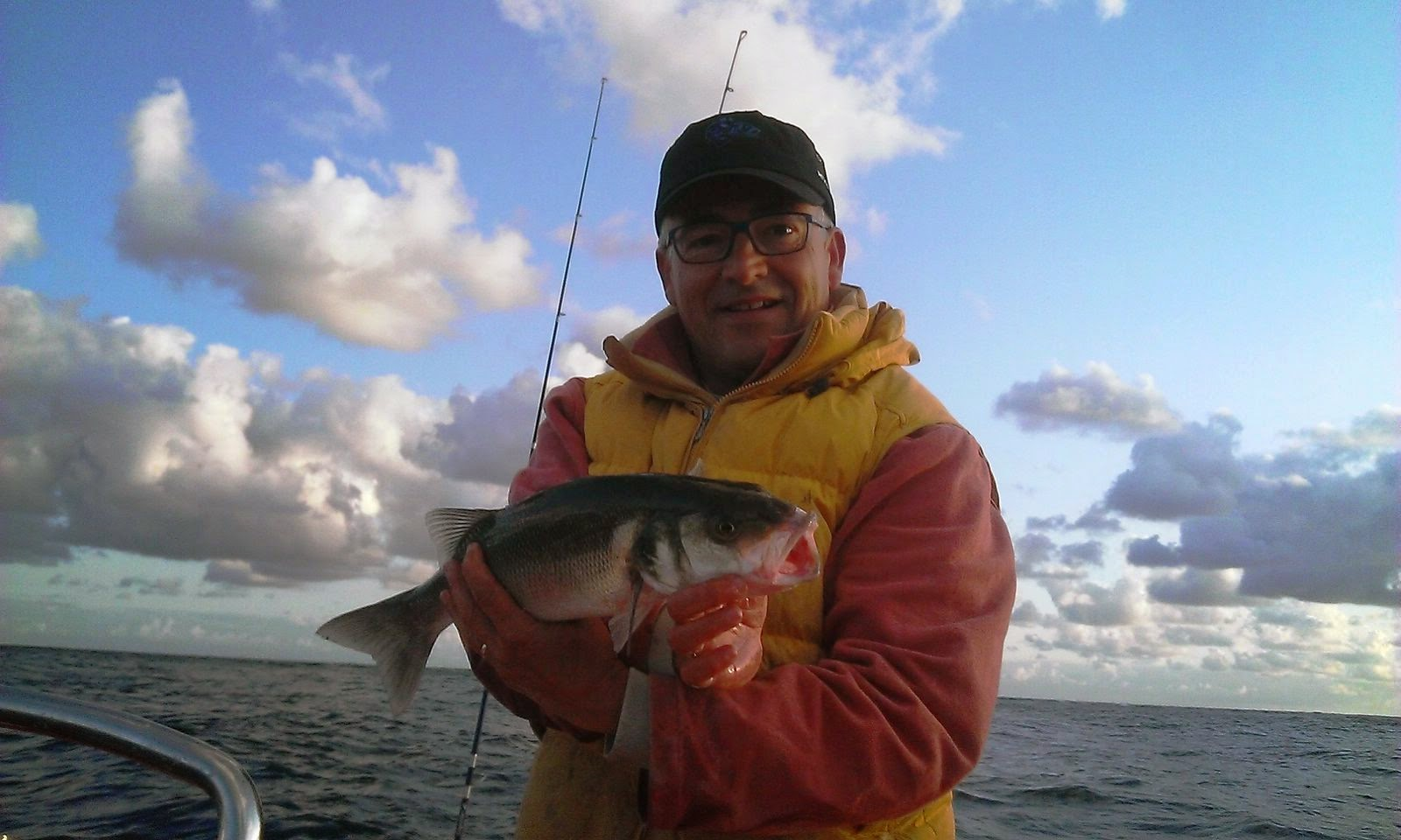 labrax, partie de pêche en mer à bord semi rigide