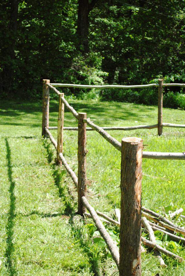 the little dog blog building a garden fence part 1. Black Bedroom Furniture Sets. Home Design Ideas