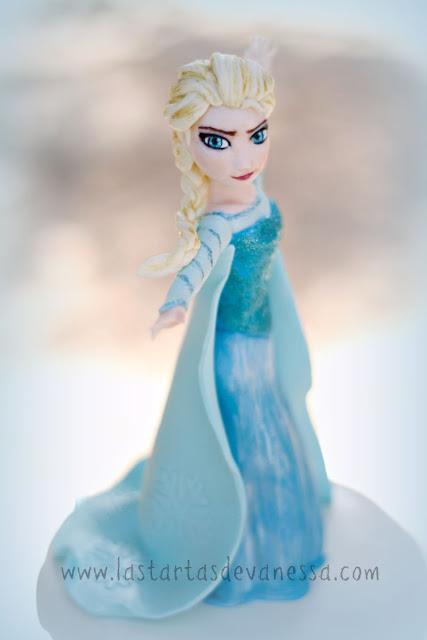 Modelado de fondant de Elsa de frozen
