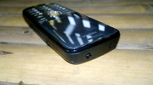 http://2.bp.blogspot.com/--OrFuS-m_bA/T-xTuRhi9ZI/AAAAAAAAK_U/YV6vAmKyCvo/s1600/Nokia%2B110%2B%25284%2529.jpg