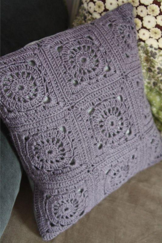 ab passion coussin en crochet. Black Bedroom Furniture Sets. Home Design Ideas