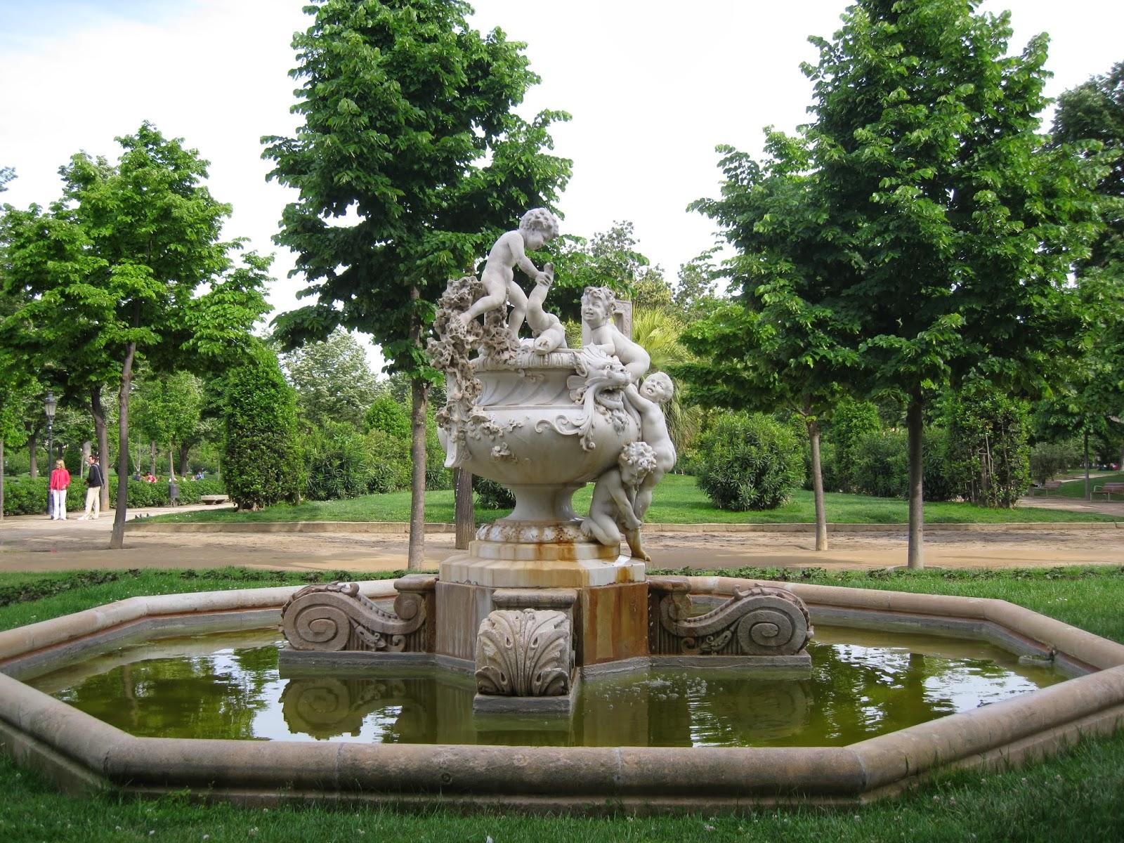 Pakoesculturas parque de la ciudadela escultura fuente for Parques ninos barcelona