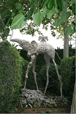 Odd animal sculptures-Beautiful sculptures of the world