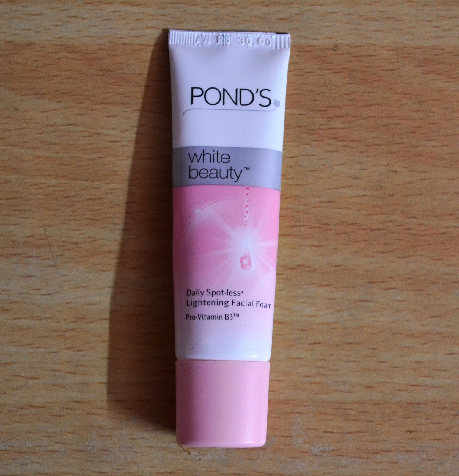 Pond s white beauty daily spot less lightening facial foam for Ponds products
