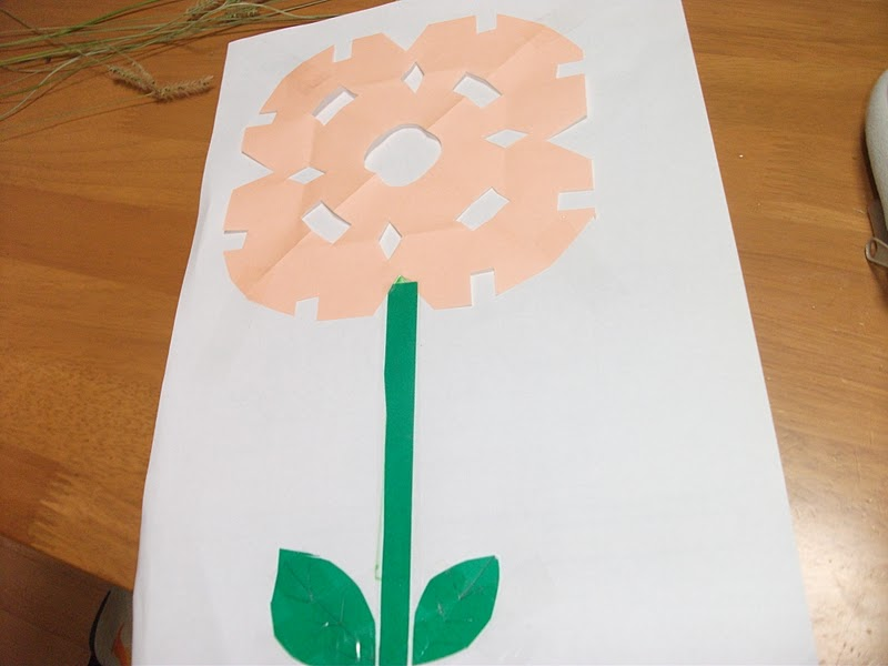Easy paper flowers craft preschool education for kids mightylinksfo Images