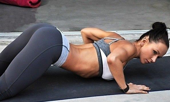 """Тренировки в фитнес-клубе """"FIT by STEP"""" всего от 3,33 руб."""