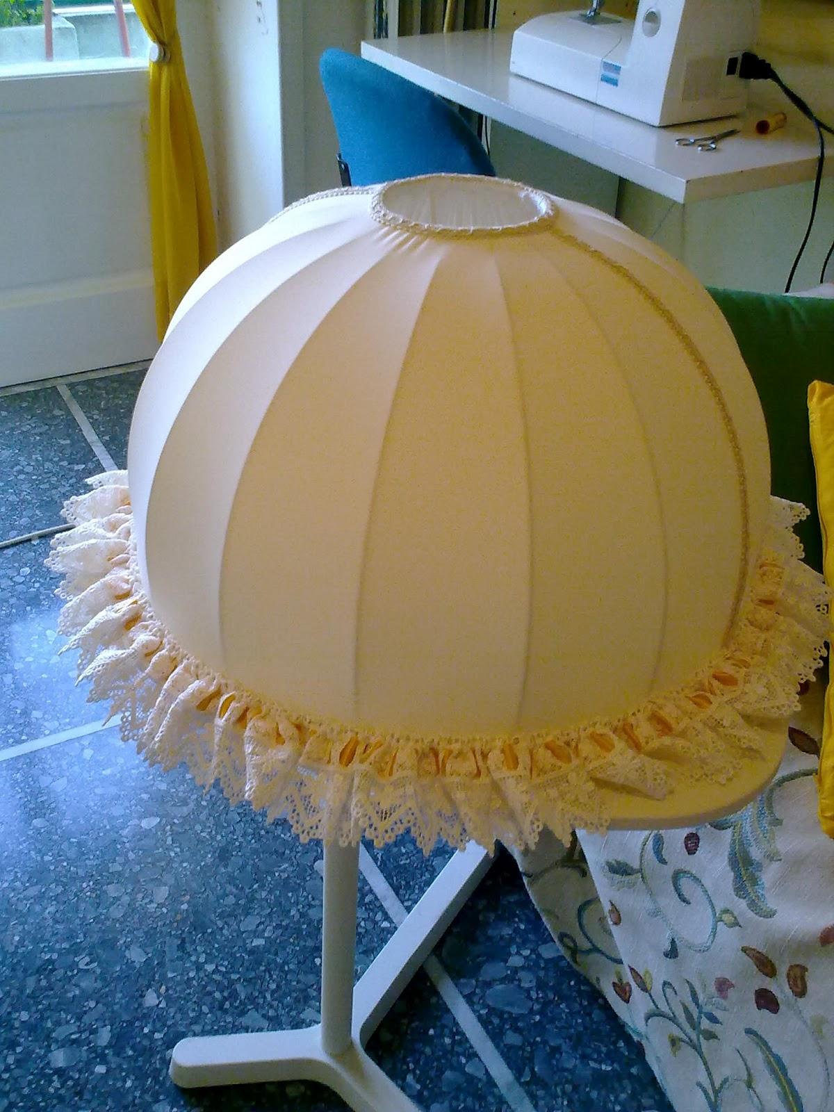 spazi senza confini: lampadario e paralume