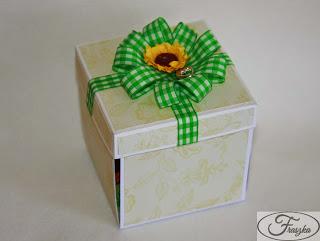 Ręcznie robione pudełko na urodziny
