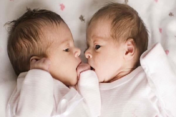 Photos des bébé jumeaux