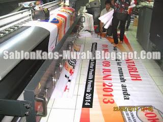 sablon kaos murah : kami mengerjakan banner spanduk dengan mesin cetak outdoor terbaik dan tercanggih