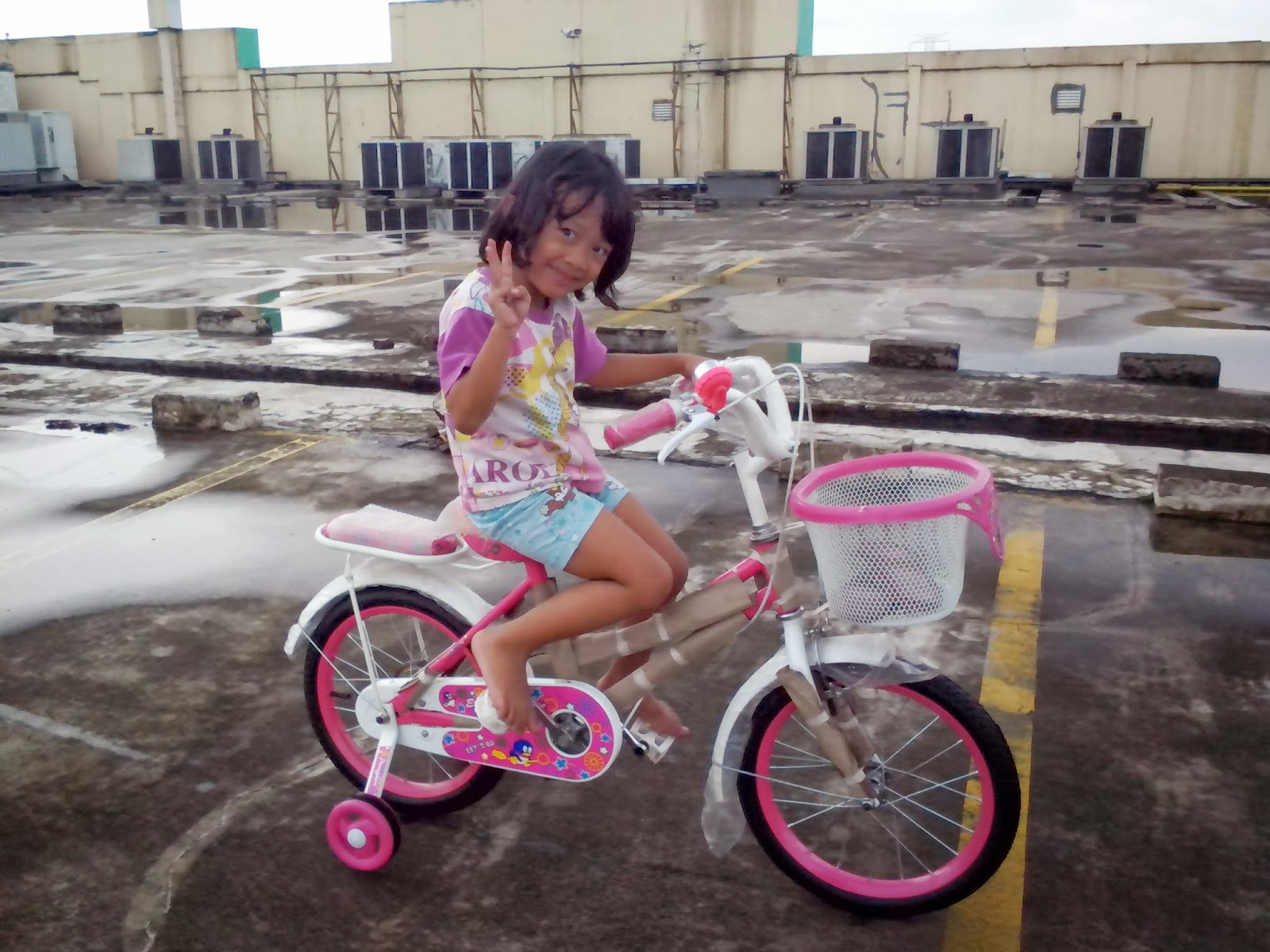 Keira Belajar Sepeda 2