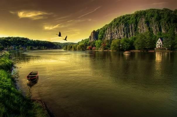 صور رائعه لجمال السماء وصفاء الماء image038-762371.jpg