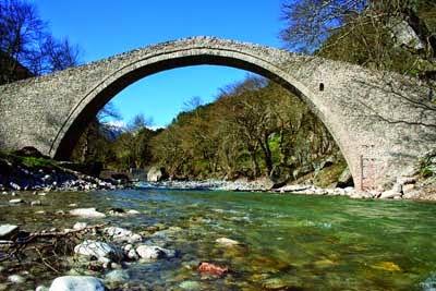 Τοξοτή(καμάρα) γέφυρα Πύλης Τρικάλων