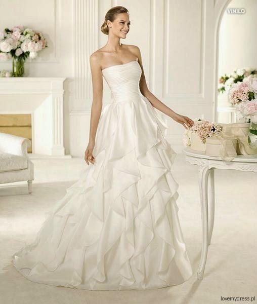 A princess bride couture bridal salon pronovias sample for A princess bride couture bridal salon