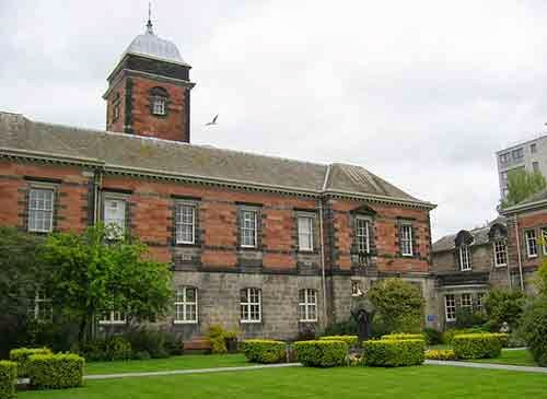 Sir James Black Academic Excellence in Life Sciences Scholarship, University of Dundee, UK