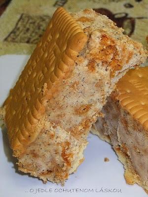 Amaretti zmrzlina v kabátiku z maslových susienok