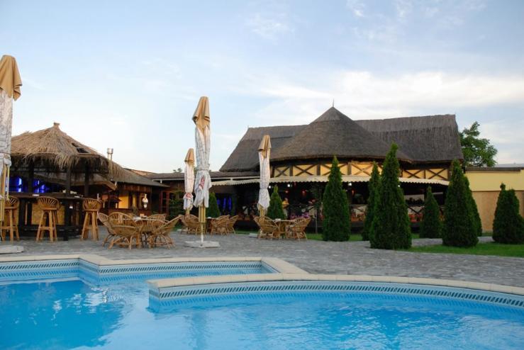 Club Laguna Ploiesti Laguna Pool Club