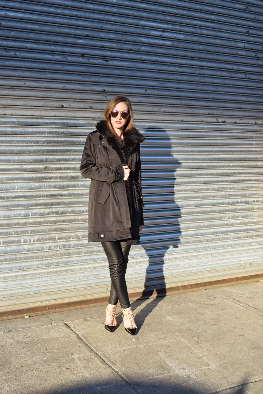Black on black look, all black outfit with heels, bcbg darron heels