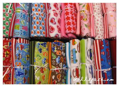 http://www.dollsfashion.de/stoffe/materialpackungen