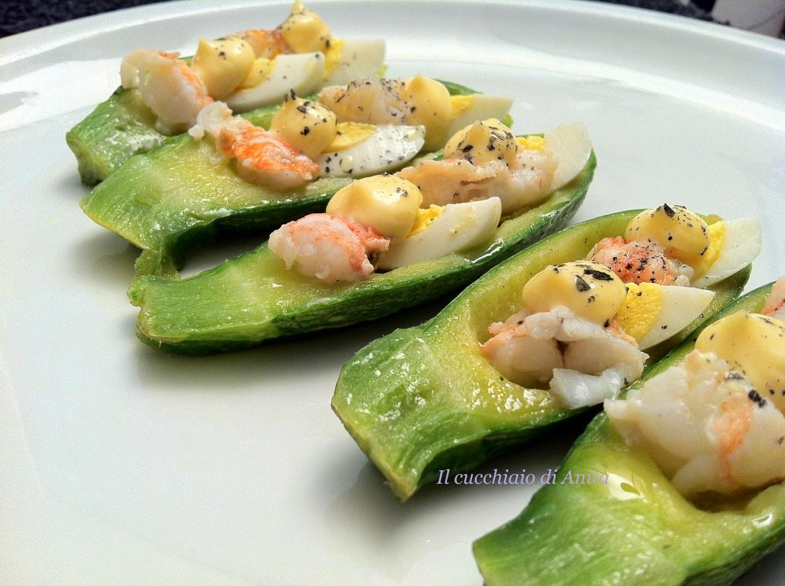 barchette di zucchine bolognesi con scampi e uova di quaglia