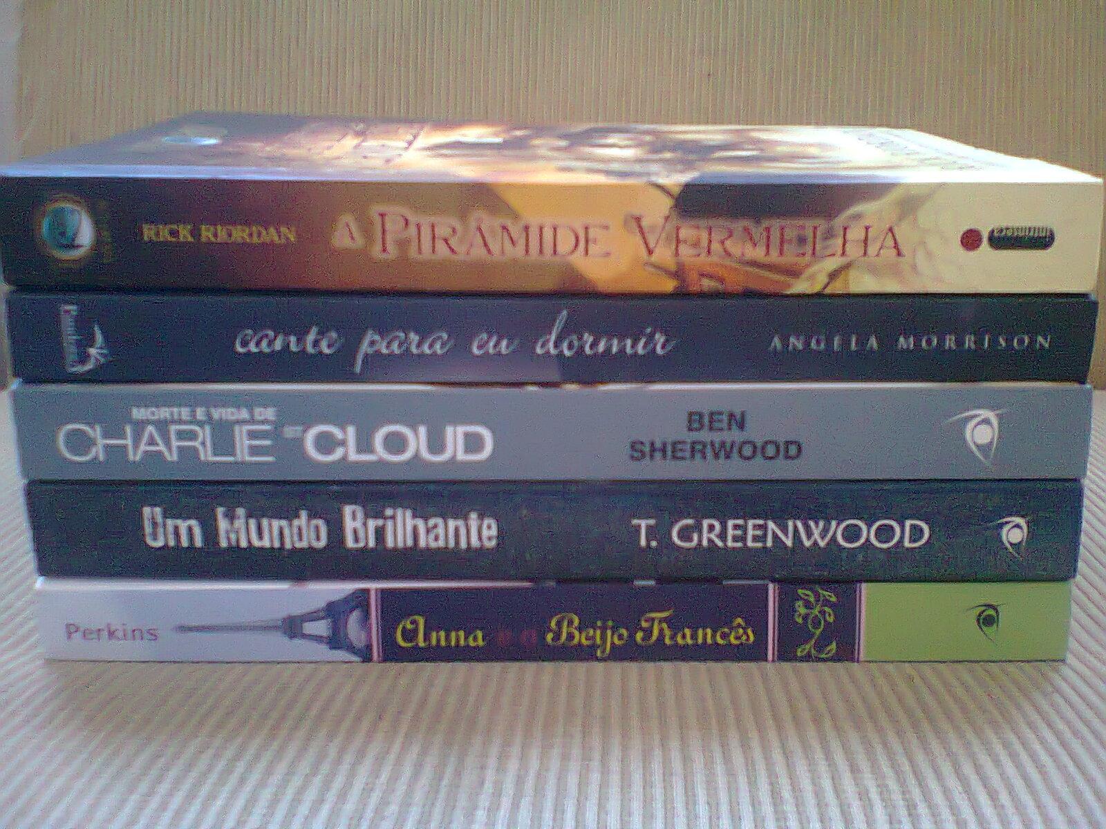 caixinha de correio, fotos de livros