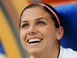 Pemain Sepakbola Wanita Tercantik dan Terseksi di Dunia