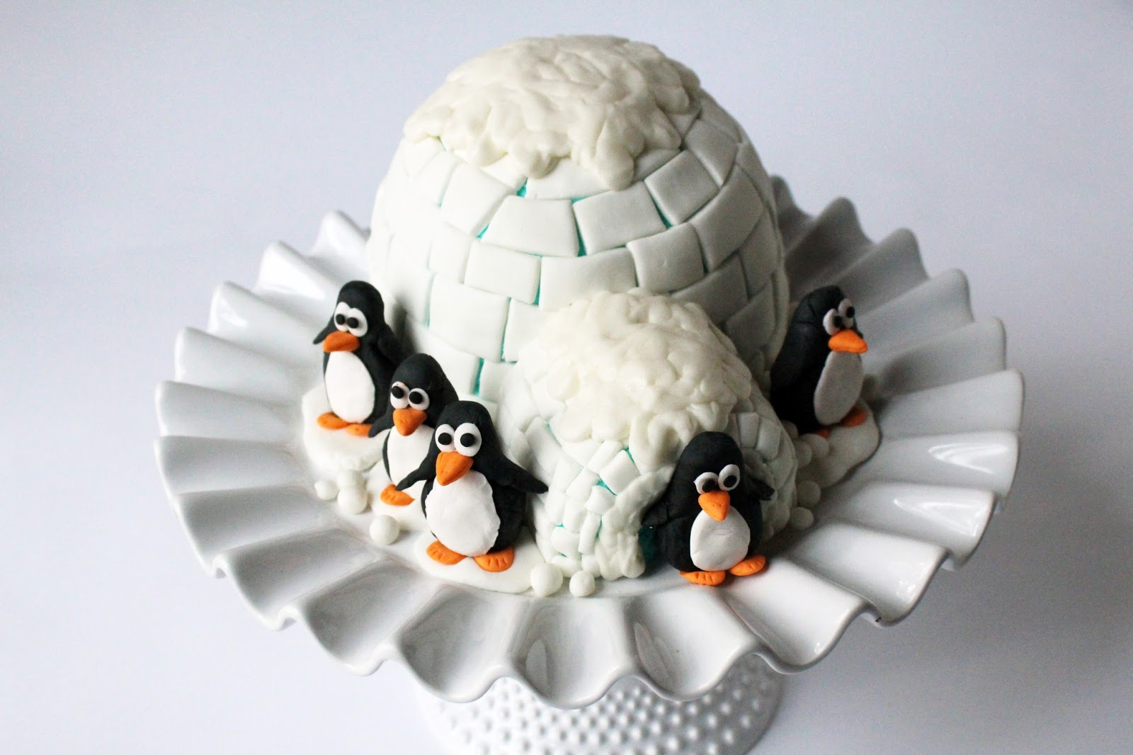 Penguin Igloo Cake M S