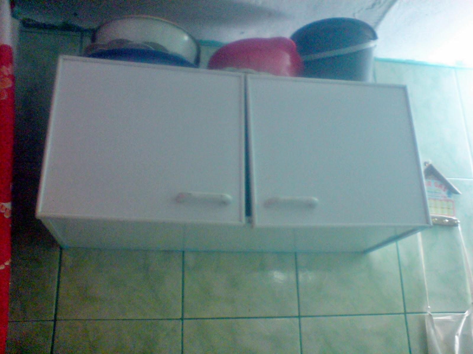 vida: meu guarda roupa velho virou prateleiras e armarinho de banheiro #710E1B 1600 1200