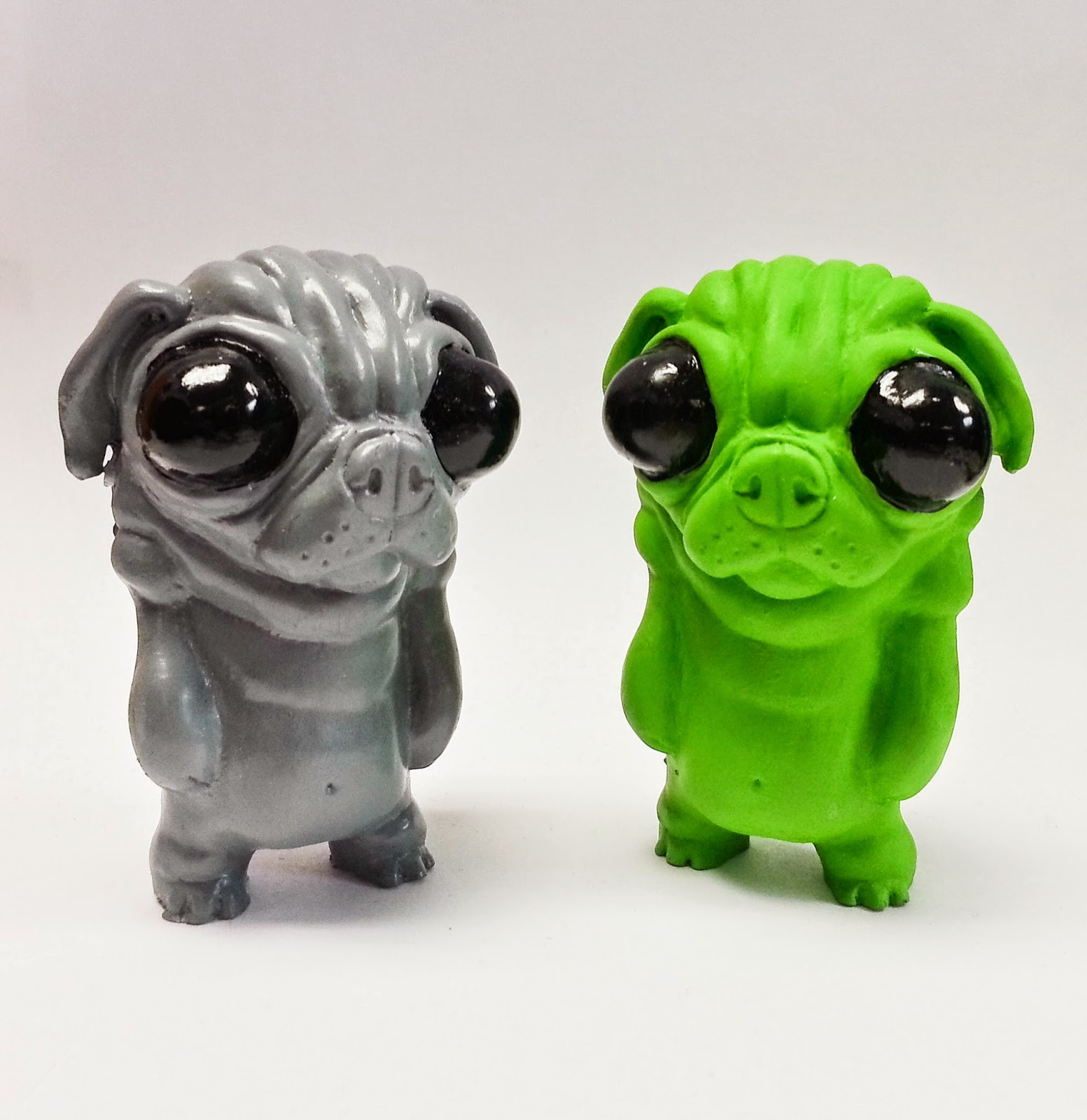"""Alien"" Puggo Resin Figure by Motorbot"