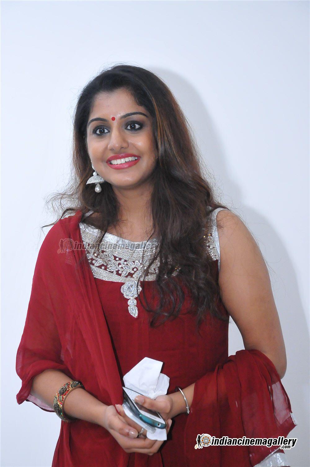 Meera Nandan hot in churidar from Samvritha Sunil wedding reception ...