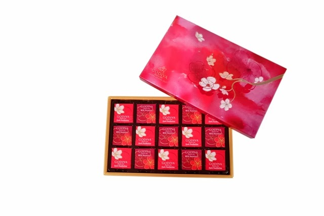 GODIVA 2014 Chinese New Year Collection Carré Gift Box 15pcs.