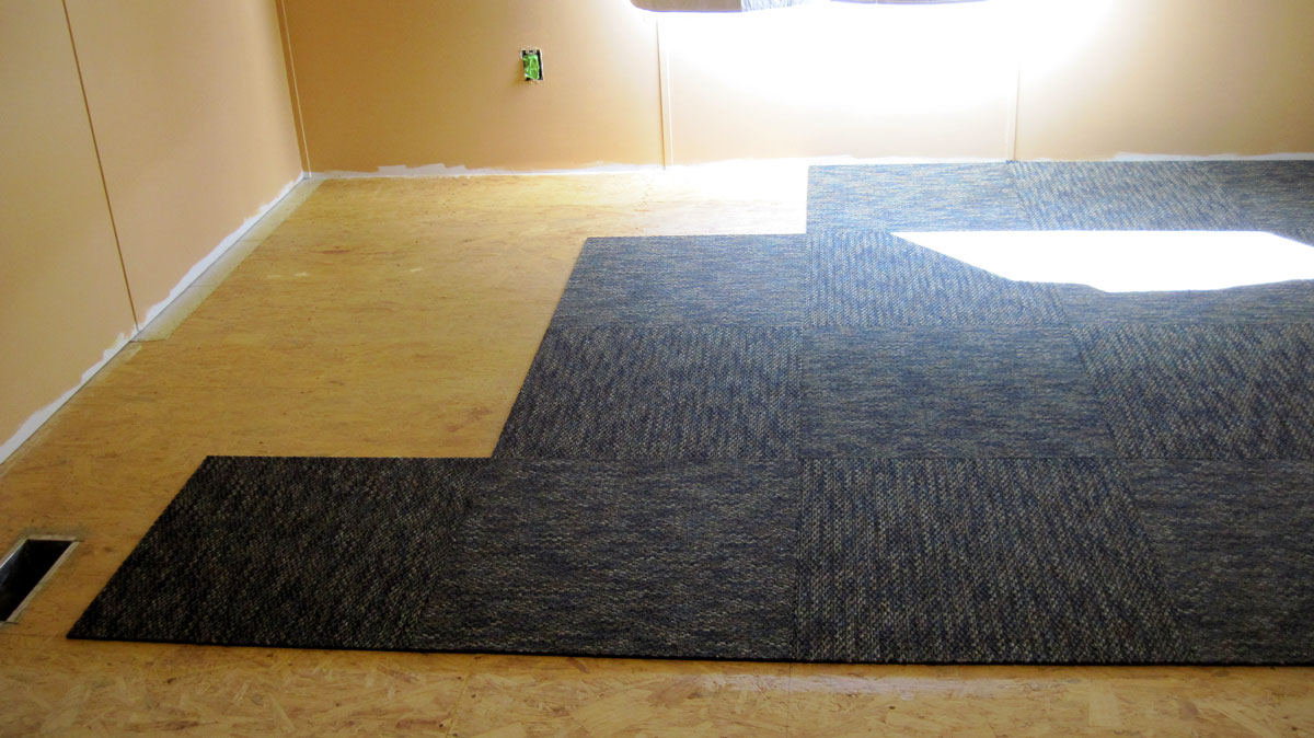 Polishing the double wide turd carpet tiles in the master bedroom because the next big project is to remove the popcorn ceiling in the living roomkitchen we moved the beds into the slave room baanklon Gallery