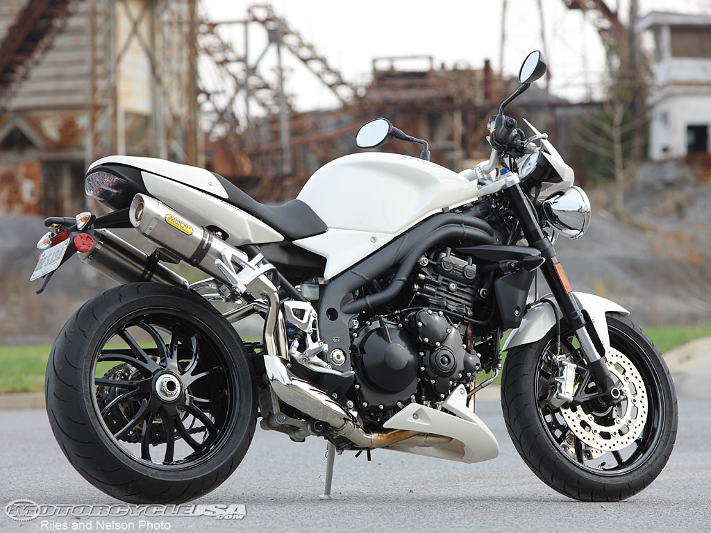top amazing sports bike triumph speed triple. Black Bedroom Furniture Sets. Home Design Ideas