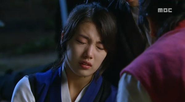 Kang Chi (Lee Seung Gi) đau đớn vì không thể cứu người yêu 1