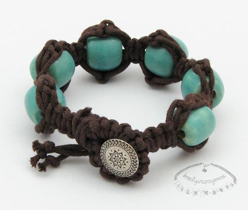 Makramowa bransoletka z ceramicznymi koralami 2