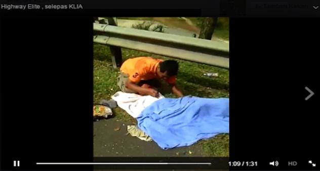 Sayu : Bapa berkali-kali kucup jasad anak nya maut Van kemalangan dan terbakar petang tadi [VIDEO]
