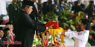 Foto Muvida Pratiwi Fallugah Pembawa Baki Bendera Paskibraka HUT RI ke-66 tahun 2011 Profil Biodata
