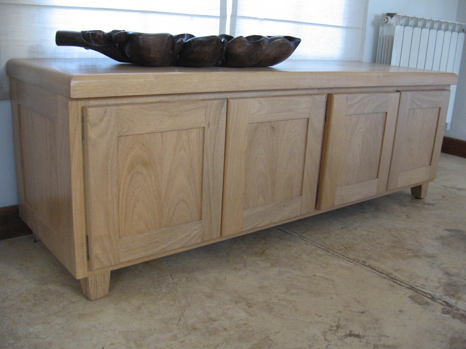 Mueble de guardado para un living comedor muy ordenado - Mueble para comedor ...