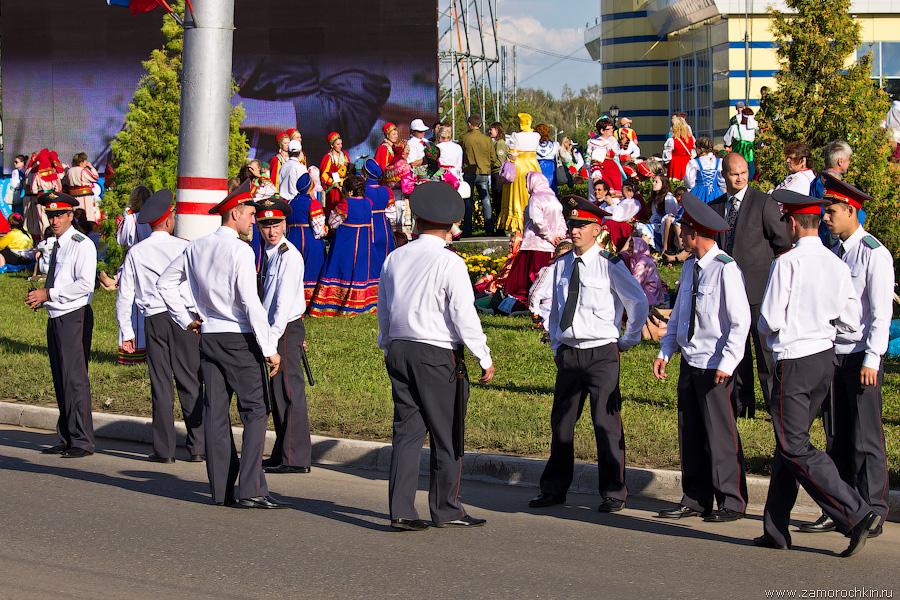Полиция усиливает оцепление перед приездом В. Путина на празднование Тысячелетия единения мордовского народа с народами России