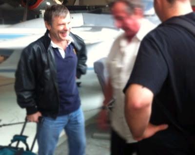 Bruce Dickinson: vocalista está em nova aventura aérea