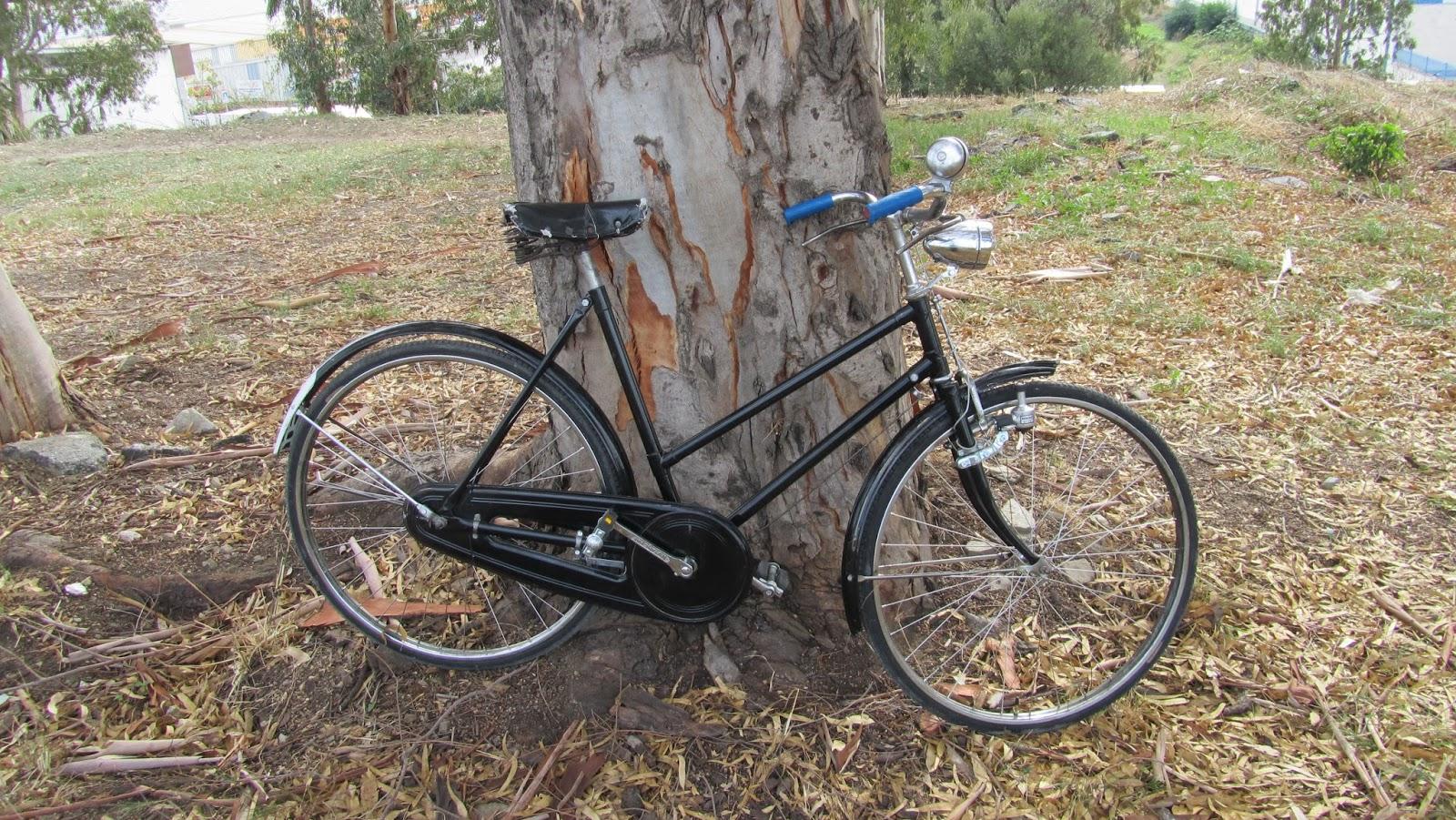 Bicicleta antigua - Wuyang Pai