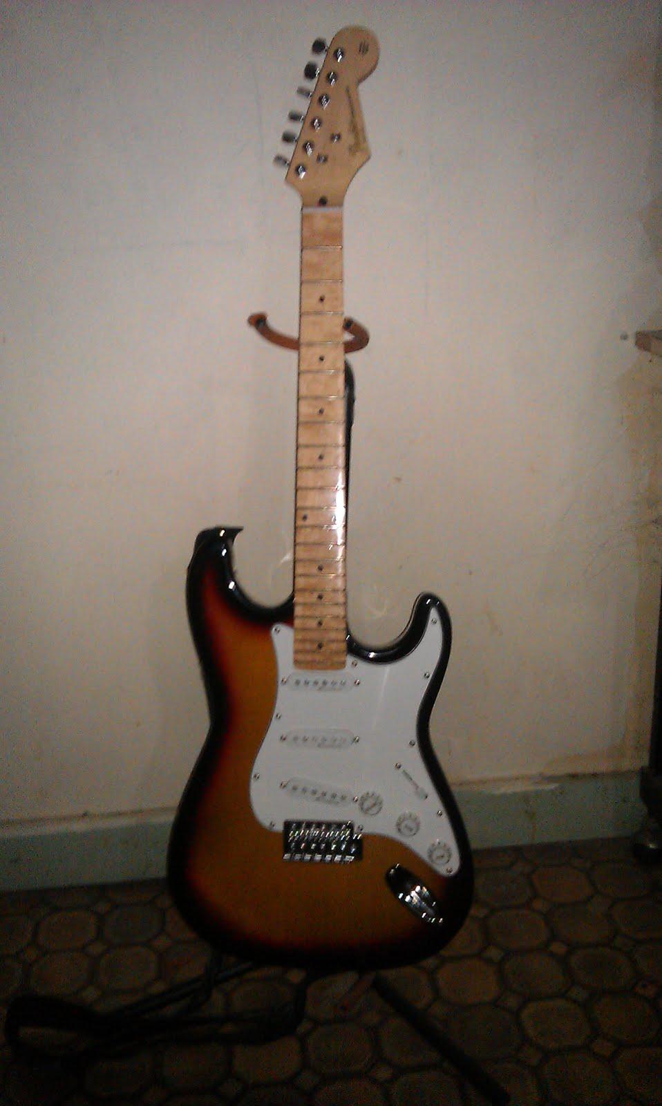 I Sell Stuff Fake Fender Stratocaster For Sale Sold