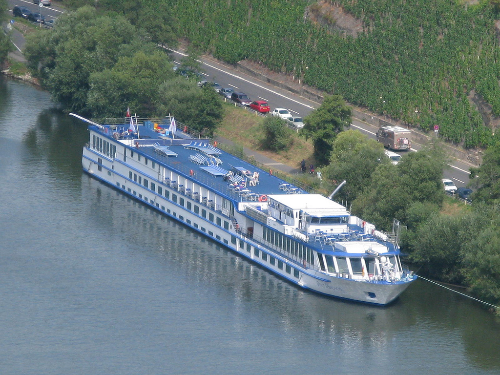 cabins latin singles Holland and lake ijsselmeer experience holland's classics aboard the ms monet highlights include cosmopolitan amsterdam, lake ijsselmeer - one of the largest lakes in western europe, a bike tour of the polder system and, of course, a plethora of windmills.