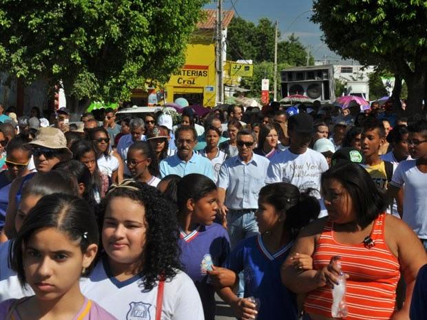 Ato em Defesa do Rio São Francisco em Bom Jesus da Lapa, na Bahia (Foto: Divulgação/CBHSF)