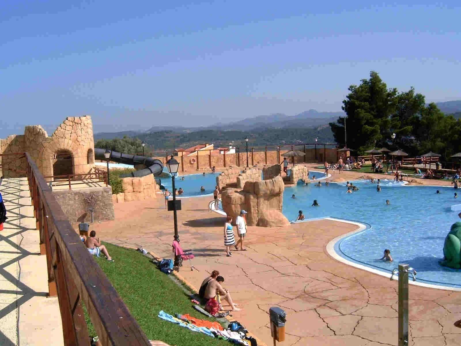 Tribuna popular de segorbe las piscinas y la for Piscinas publicas valencia