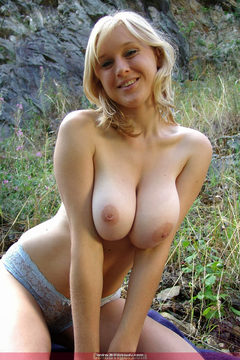 Amatuer Petra Mis Big Natural Boobed Girl Naked Outdoor Photo Gallery