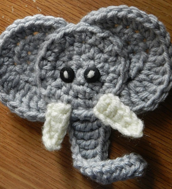 Crochet Elephant : Hooking Housewives: Elephant Applique - Free Pattern!!!